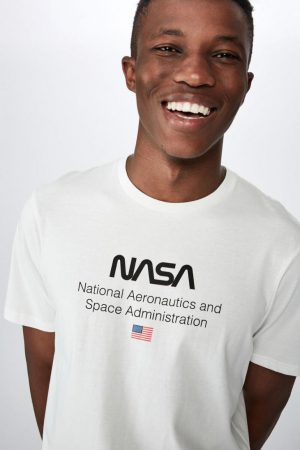 Cotton On Pop Culture | Mens Tbar Collab Pop Culture T-Shirt Lcn Nas Vintage White/Nasa – Logo