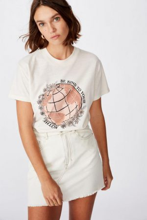 Cotton On Slogan | Womens Classic Arts T Shirt Kind To Your Mother/White Sand